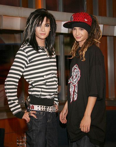 Tom & Bill Kaulitz fond d'écran with a fedora, a boater, and a campaign hat called Tom&Bill':-**