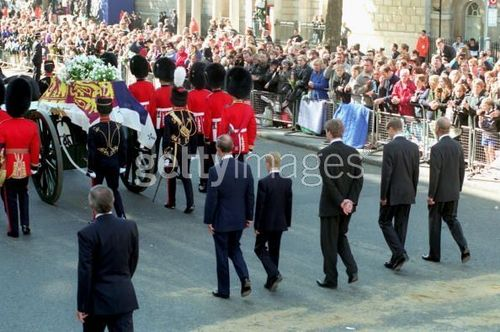 Prinzessin Diana Hintergrund with a musiker, namentlich called diana funeral: westminster abbey
