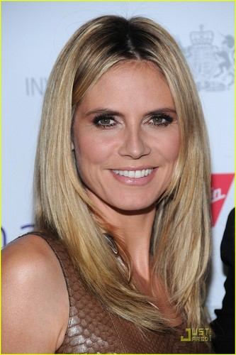 http://cdn.buzznet.com/media/jj1/2011/04/klum-britweek/heidi-klum-seal-britweek-11.jpg
