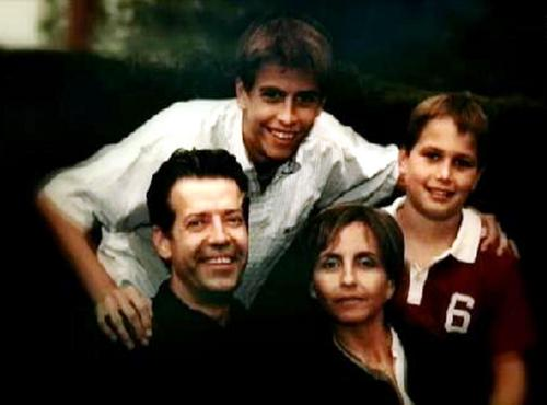 young piqué and family