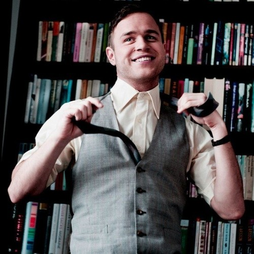 Olly Murs wallpaper with a bookshop, a library, and a bookcase entitled 'Busy' Video Behind The Scenes