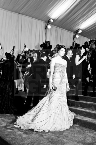 Added new pics of Ashley Greene arriving at #METGala & at the After-Party (tagged)