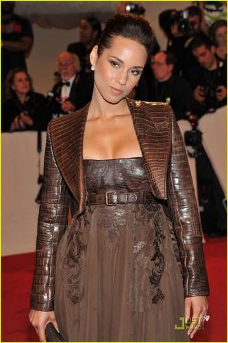 Alicia Keys - MET Ball 2011