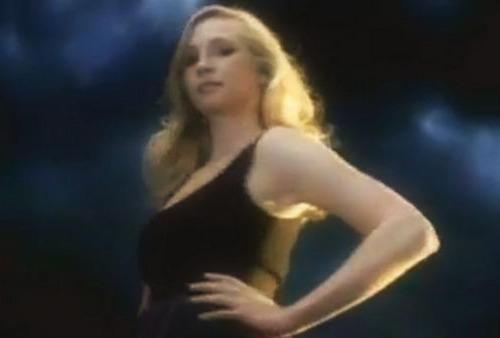 Caroline - Spanish promo photo!