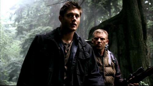 Dean Winchester kertas dinding entitled Dean Winchester season 1 screencaps
