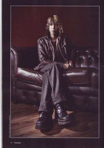 Dir en grey 2009 photoshoot - Shinya