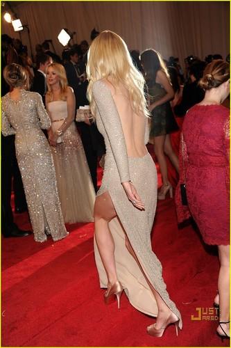 Gwyneth Paltrow - MET Ball 2011