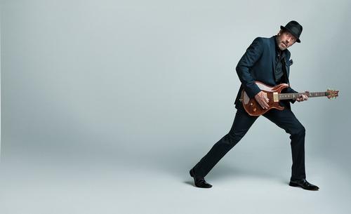 Hugh Laurie- photoshoot May/June issue of Guitar Aficionado