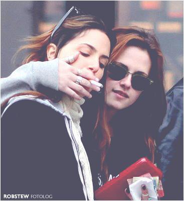 Kristen Stewart Nikki Reed Kiss. Kristen Stewart Kissing Nikki