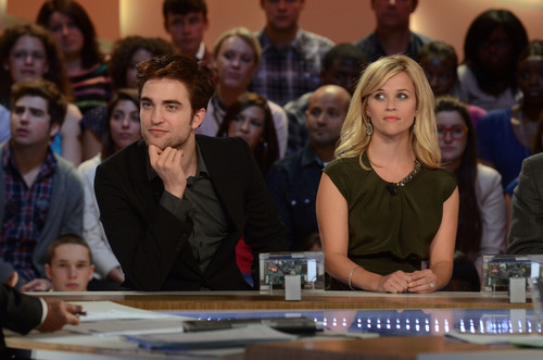 Le Grand Journal Stills
