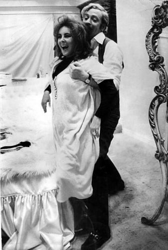 Michael Caine And Elizabeth Taylor