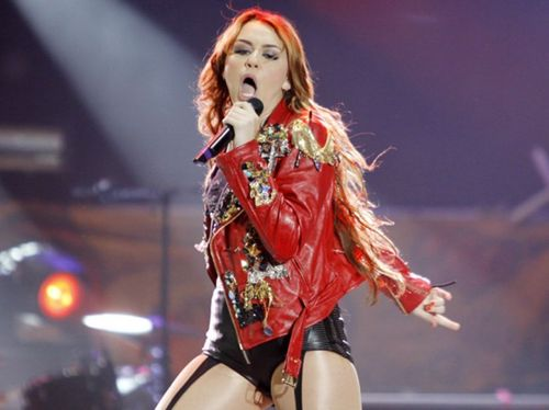 Miley - Gypsy دل Tour (2011) - On Stage - Lima, Peru - 1st May 2011
