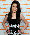 Miranda Cosgrove - nickelodeon-kids-choice-awards photo