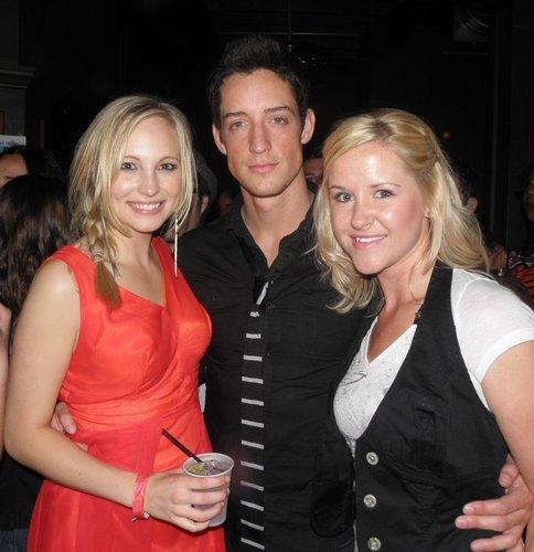 New các bức ảnh of Candice at the TVD season 1 bọc party! [11/05/10]