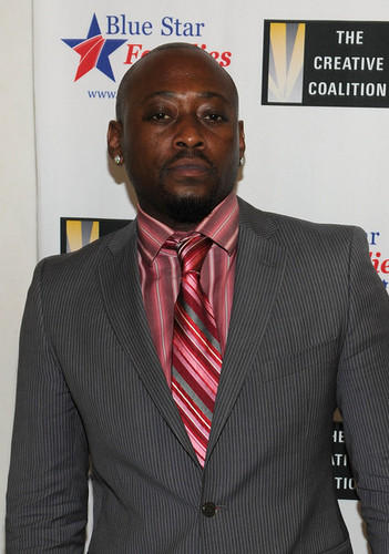 Omar Epps wallpaper containing a business suit, a suit, and a pinstripe called Omar Epps @ Creative Coalition & Blue Star Families PSA Premiere Gala