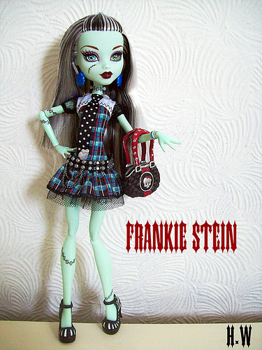 Pic of cute Frankie Stein - monster-high-frankie-stein Photo