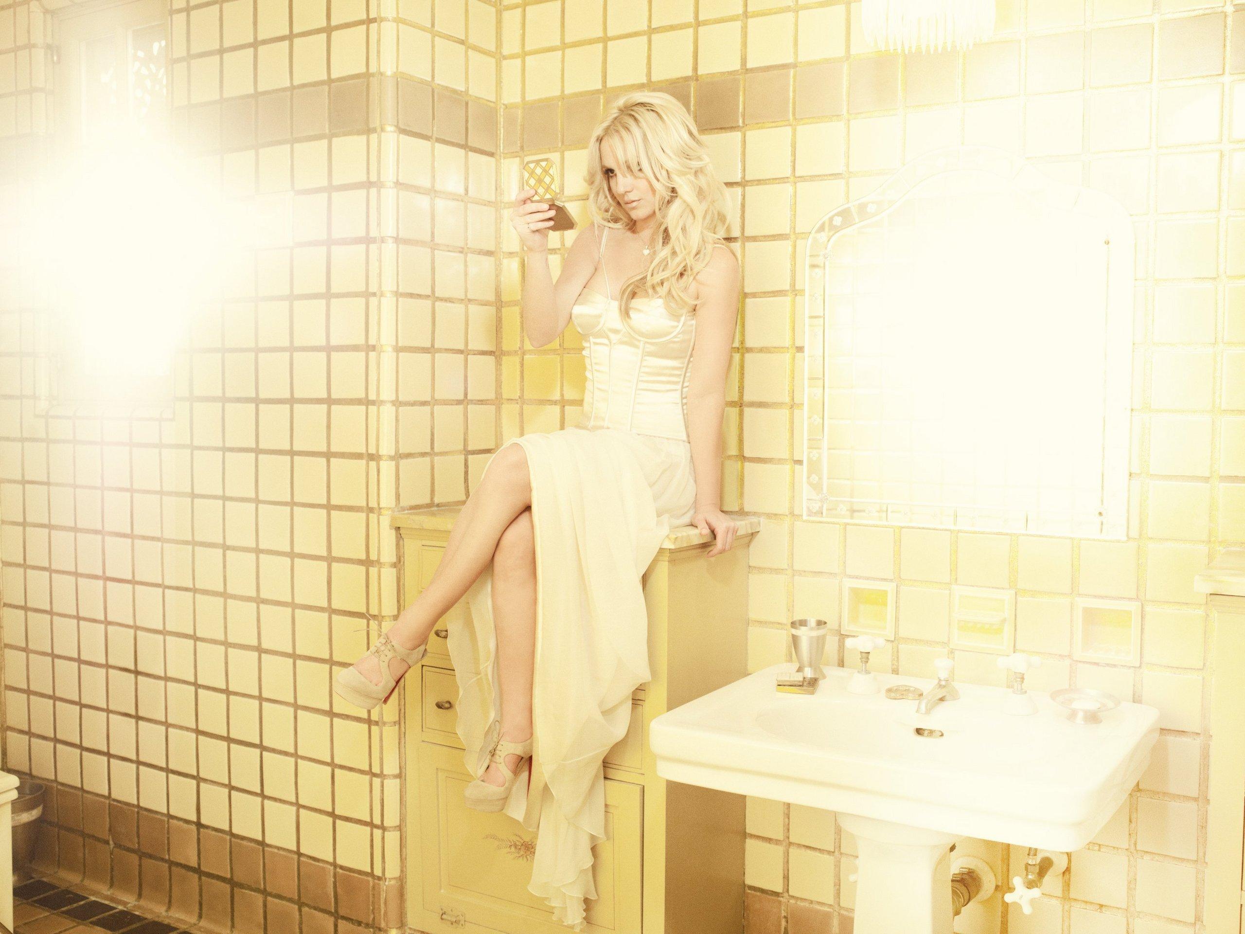 Смотреть бесплатно девочка в ванной 12 фотография