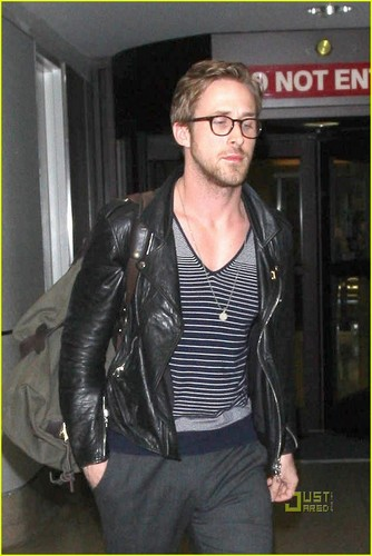 Ryan Gosling: Glasses Guy at LAX