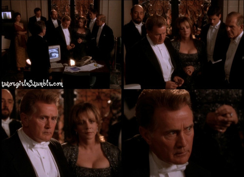 The West Wing wallpaper with a business suit, a dress suit, and a suit entitled Season 1