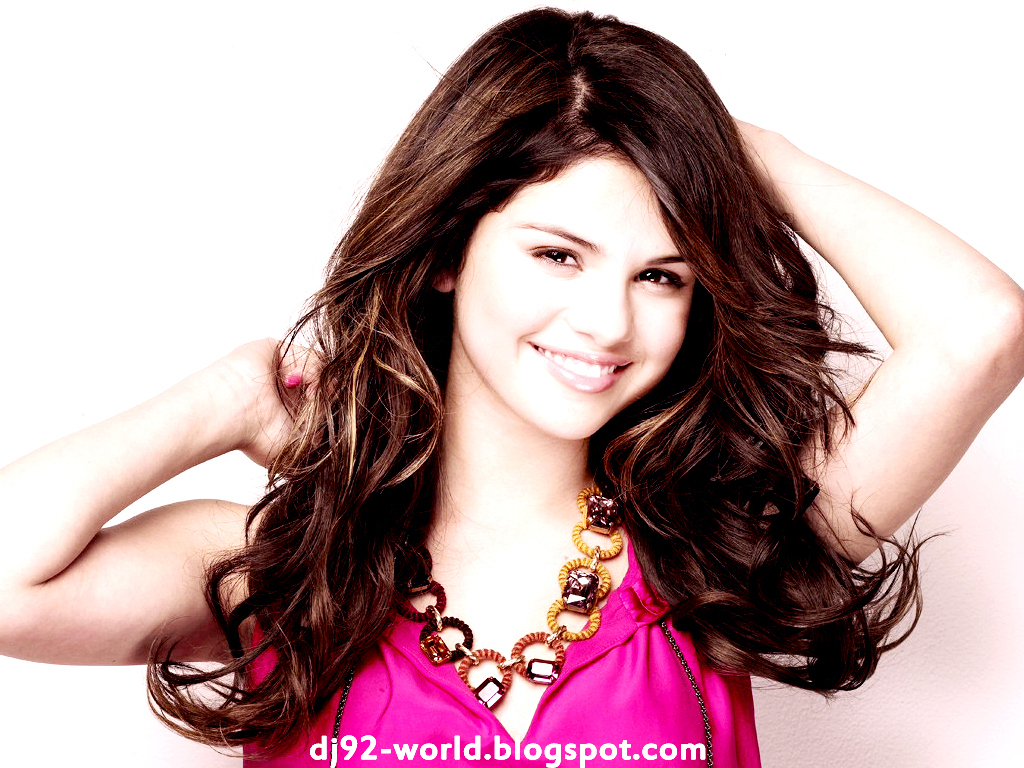 Selena Gomez EXCLUSIF18th
