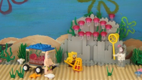 Lego SpongeBob Squarepants fondo de pantalla possibly with a parasol, a bouquet, and a sign titled SpongeBob World