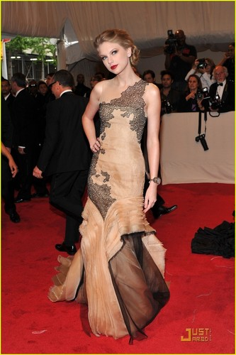 Taylor nhanh, swift - MET Ball 2011