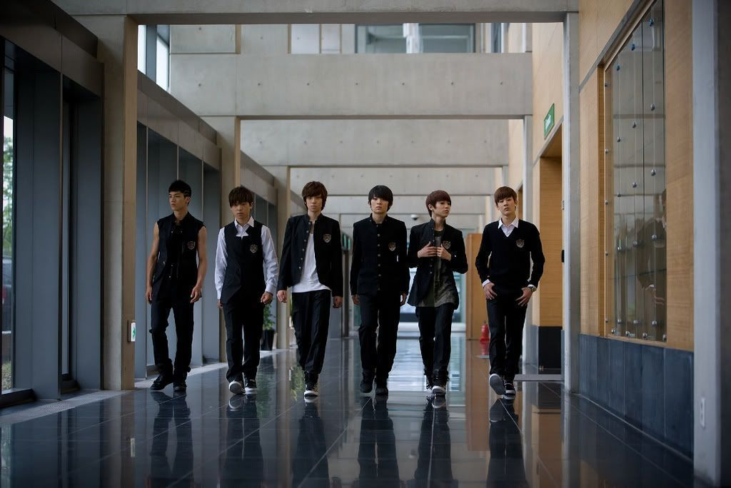 http://images4.fanpop.com/image/photos/21600000/Teen-Top-teen-top-21637911-1024-684.jpg