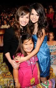 demi selena TCA Awards 2008 with maddie