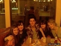 rare pic 15 - delena hang out with david henrie, taylor swift, n 1 lebih friend.