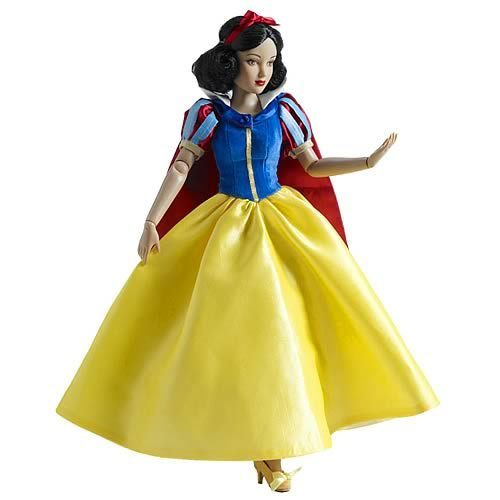 Snow White karatasi la kupamba ukuta probably with a kanzu, gown called snow white doll
