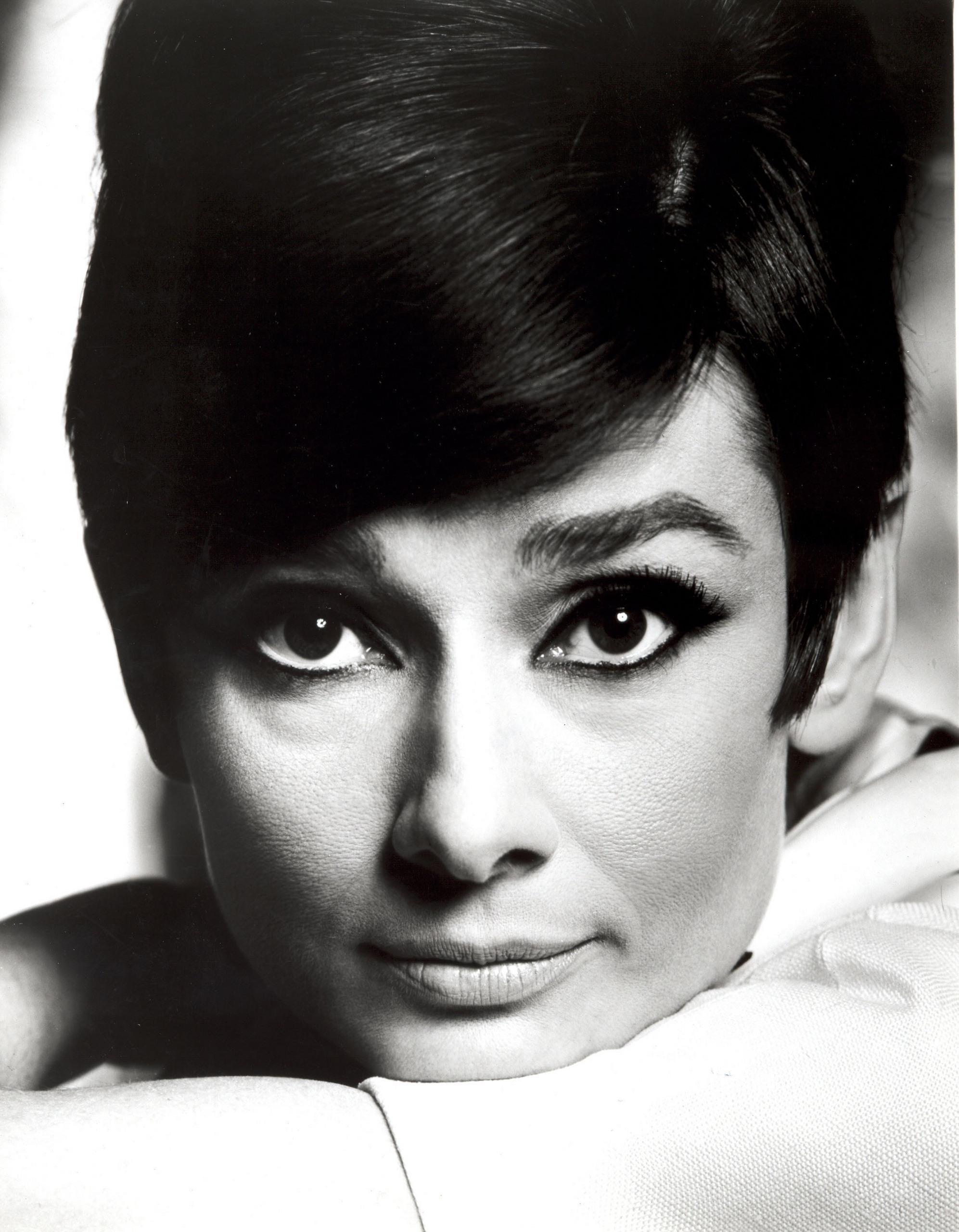audrey hepburn audrey hepburn photo 21766902 fanpop. Black Bedroom Furniture Sets. Home Design Ideas