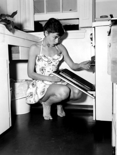 Audrey Hepburn wallpaper containing a dishwasher and a kitchen called Audrey Hepburn