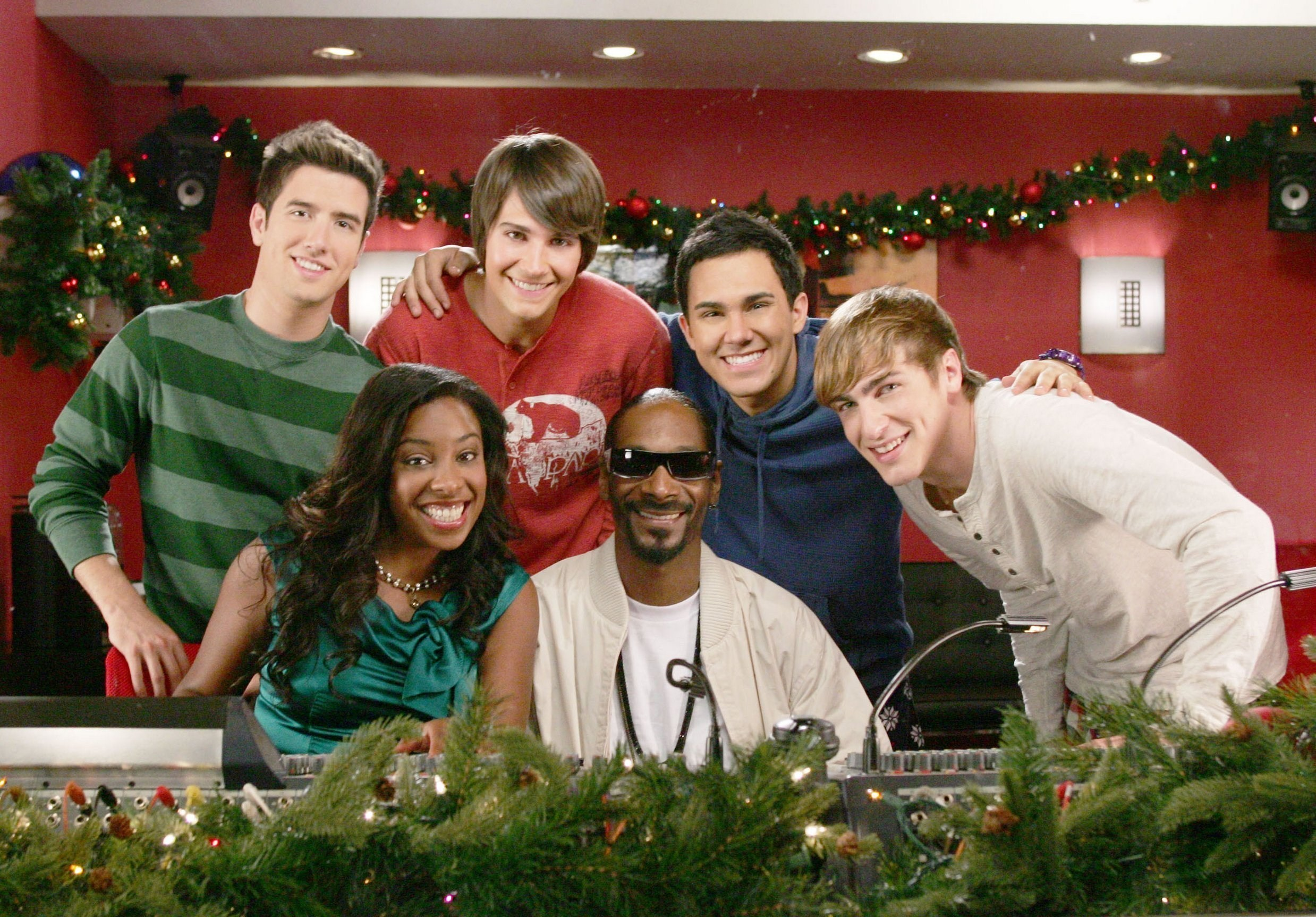 big time rush images big time christmas hd wallpaper and background photos - Big Time Rush Christmas