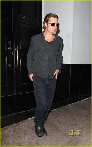 Brad Pitt: makan malam at Beso!