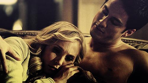 Caroline/Tyler..2x21♥ - tyler-and-caroline photo