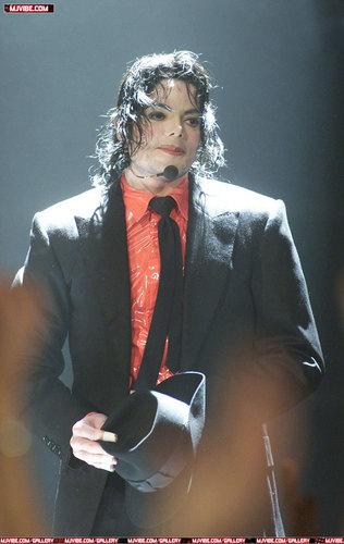 Dangerous Live (2002)