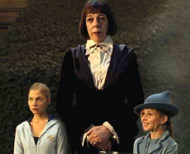 Fleur Delacour with sister Gabrielle and Olympe Maxime