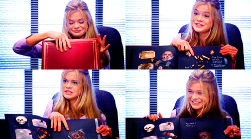 Dead Like Me fond d'écran possibly with a laptop, a sign, and a lire room called George