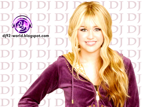Hannah Montana Forever Highly Retouched Quality 壁纸 EXENDED ADDITION(after pearl) 由 dj... !!
