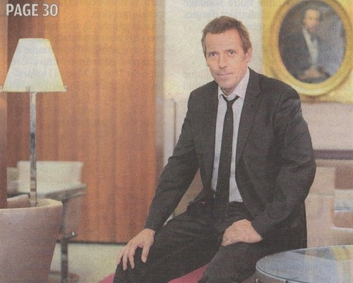 Hugh Laurie- Magazine( scans) Le Parisien - 04/21/11