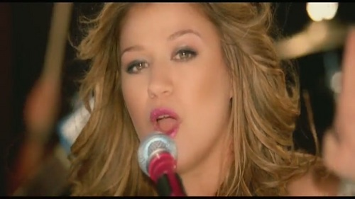 kelly clarkson i do not hook up official music video The 35-year-old is seemingly gearing up for her most mature music yet, combining the vocal prowess she's always displayed with the kelly clarkson - love so soft [official video] info kelly clarkson - i do not hook up.