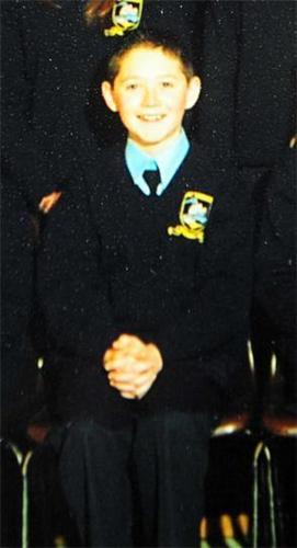 Niall Horan kertas dinding probably with a full dress uniform, tongam resimen, regimentals, and dress blues entitled Irish Cutie Niall In School Pic Aged 11!! (Aww Bless, Soo Cute) 100% Real :) ♥
