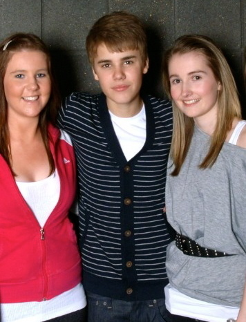 JB with fans :)