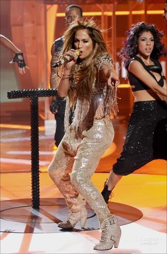 Jennifer - Performance TV - American Idol, May 5 2011