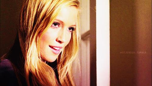 Katie Cassidy ♥
