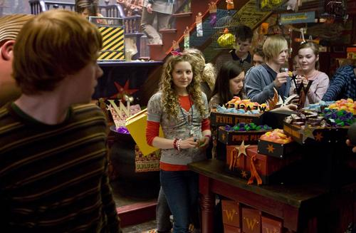 Lavender Brown with Ron Weasley