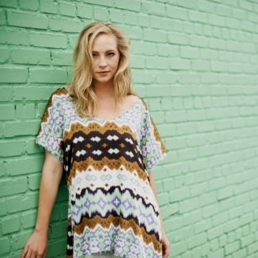 """New fotografia of Candice for her """"Show Me Your Lyme Disease Awareness"""" Launch!"""