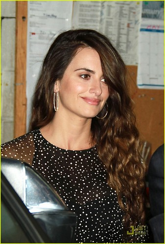 Penelope Cruz: Live with Regis and Kelly!