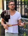 Ryan Gosling: Three String Guitar in New York City! - ryan-gosling photo