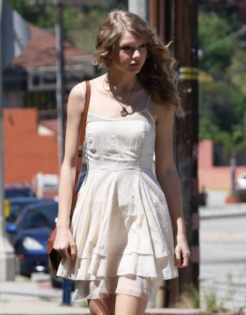 Taylor rapide, swift Dresses and Outfits